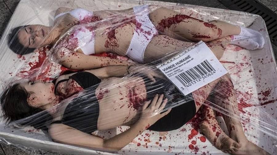 Protesto do colectivo vegan 269 Life France contra o consumo de carne