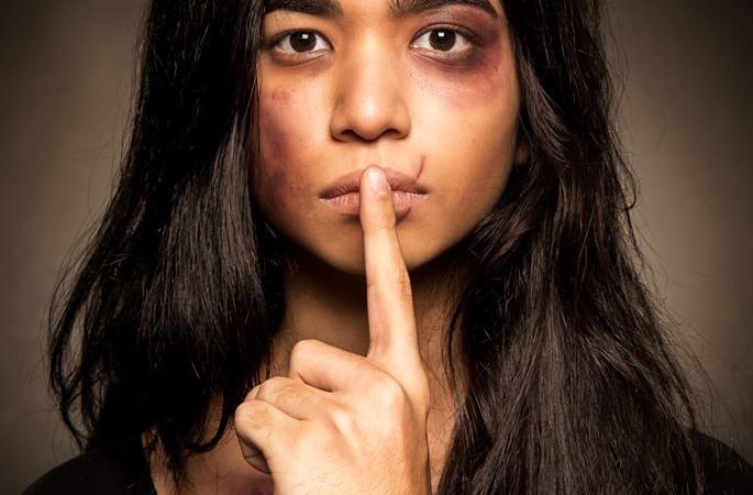 """""""O Silêncio Magoa"""", trabalho contra a violência doméstica de alunos da ESPM de São Paulo para a APAV, Associação Portuguesa de Proteção à Vítima."""