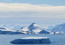 Fiorde de Laubeuf, na Ilha de Adelaide, na Antártida