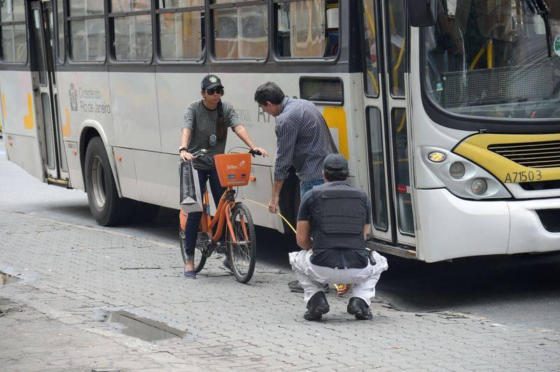 Polícia Civil faz reconstituição do acidente que causou a morte da ciclista Julia Resende de Moura