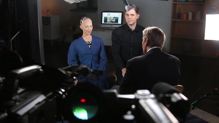 Sophia e seu criador, David Hanson, falam com Charlie Rose