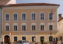 A casa onde nasceu Adolf Hitler, no nº 15 da Salzburger Vorstadt, em Braunau am Inn, Áustria