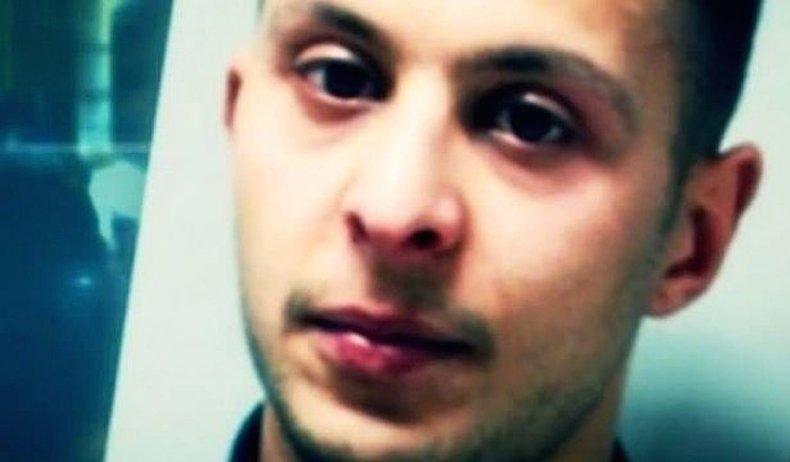 """Salah Abdeslam, autor do atentado ao Bataclan em Paris, era """"o homem mais procurado da Europa"""""""