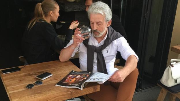 """O """"milionário"""" é, na verdade, o aposentado Boris Kudryashov"""