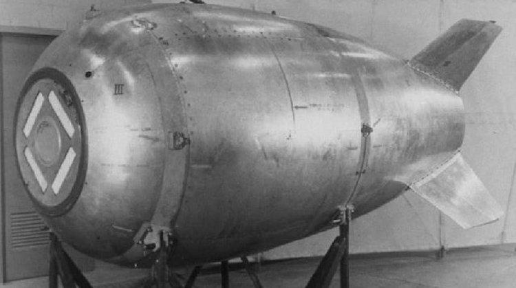 A bomba nuclear Fat Man Mark IV, dos EUA