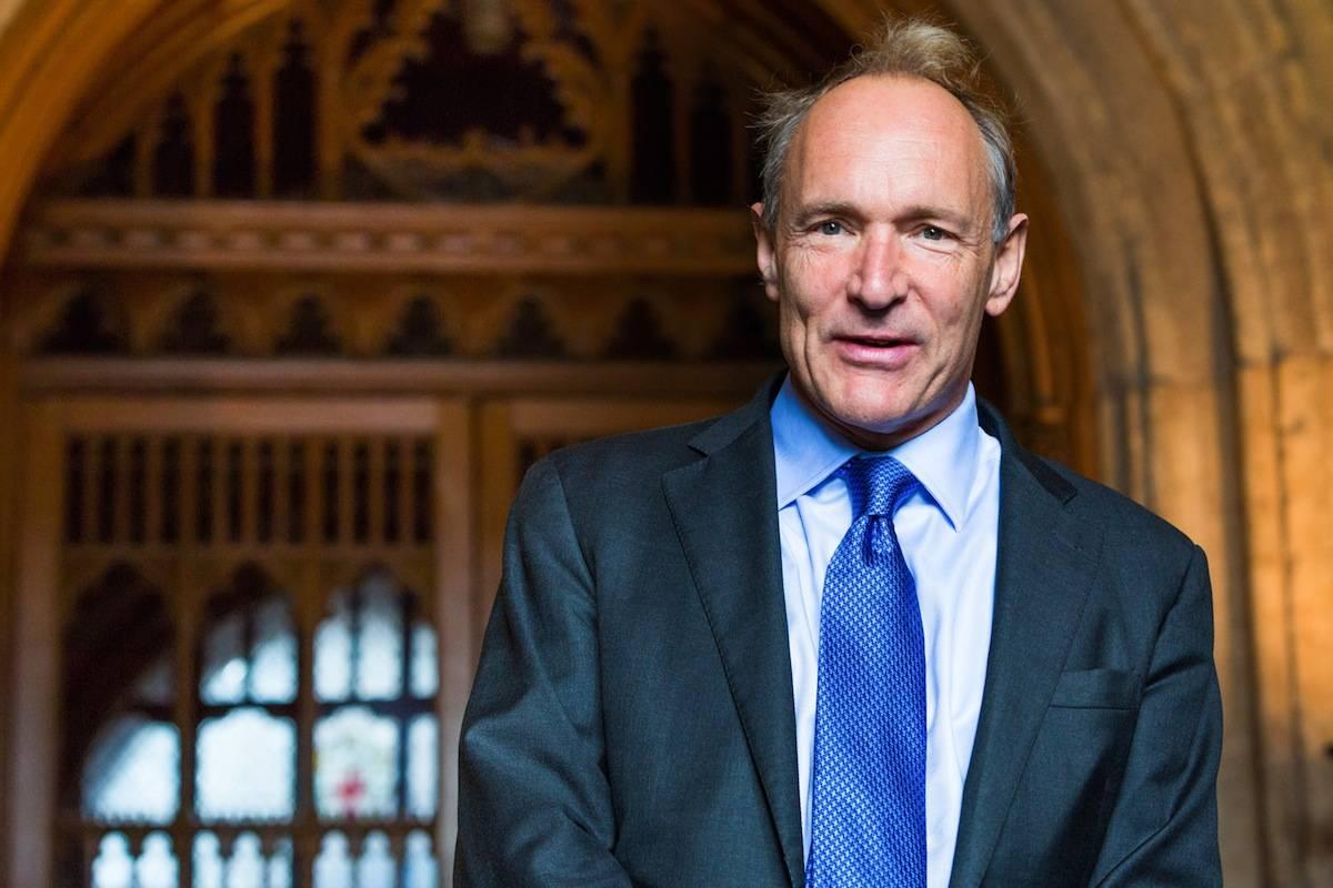Sir Tim Berners-Lee inventou a World Wide Web