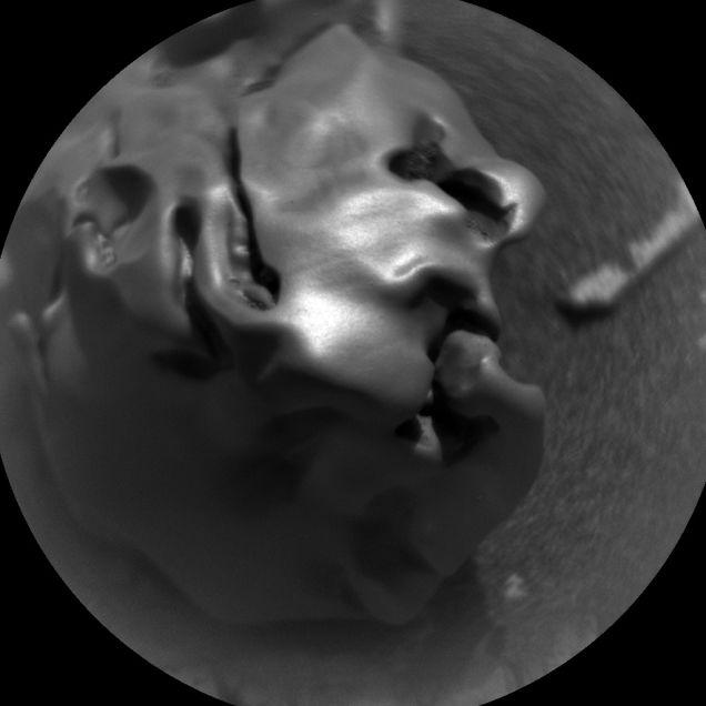 O Curiosity captou em detalhe o meteorito metálico