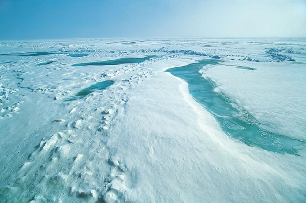 Imagem mostra região do Ártico. Segundo a Agência Espacial Europeia, camada de gelo marinho no outono deste ano aumentou 50% em relação a 2012