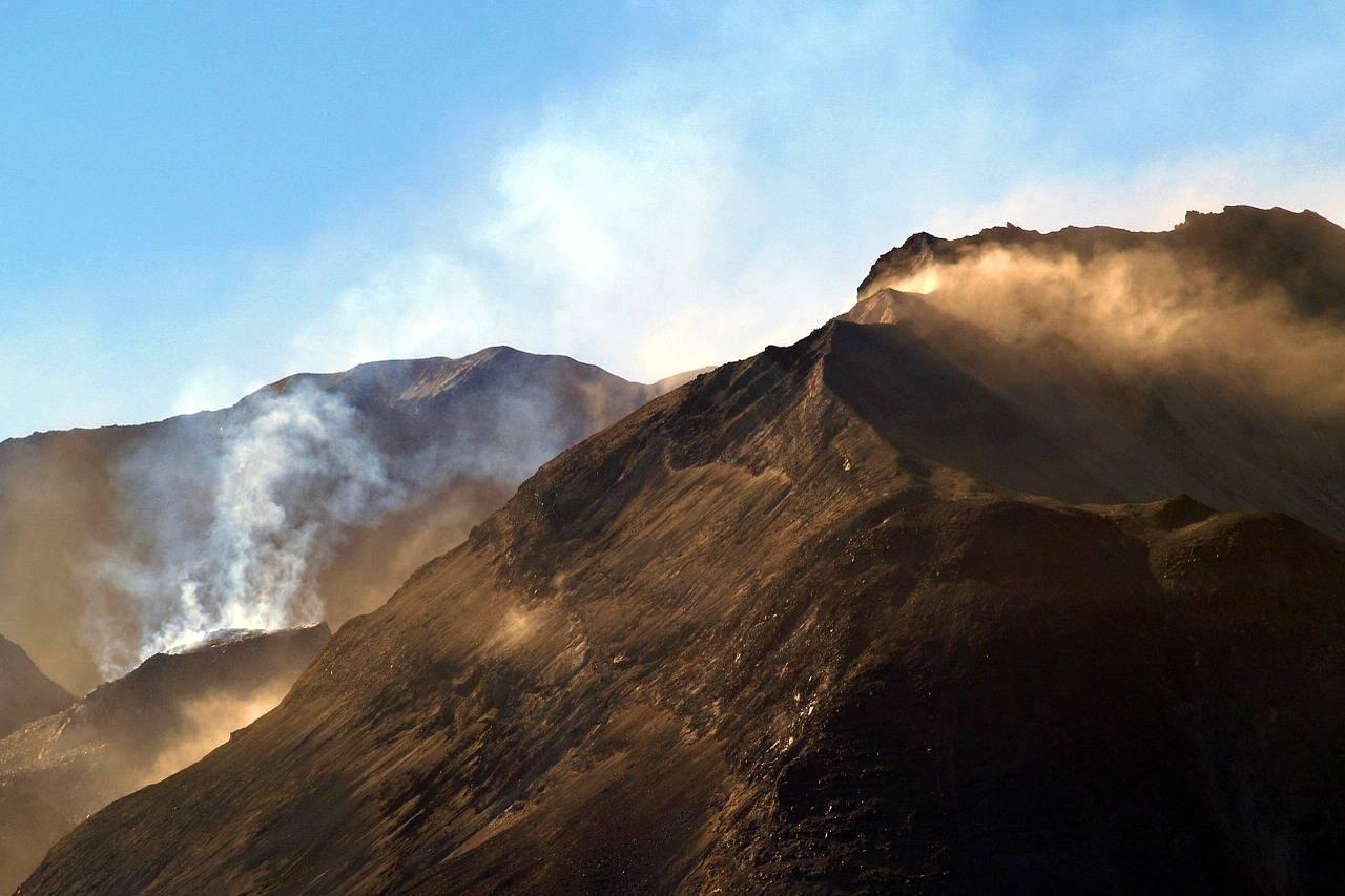 O Monte Santa Helena, que fica no Estado de Washington, forma parte de um arco vulcânico que se estende desde o norte da Califórnia até à Colombia Britânica, no Canadá.