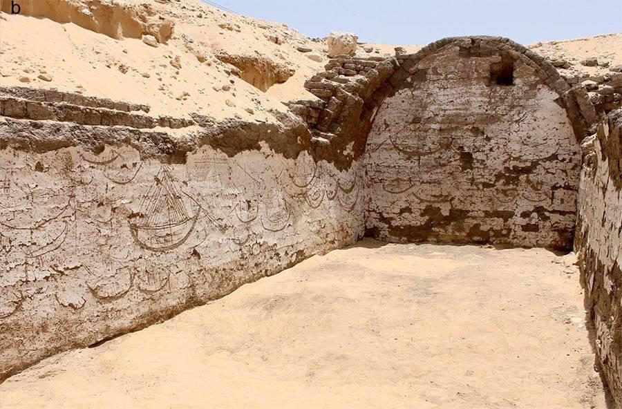 Mural de 120 imagens de barcos egípcios com 3.800 anos descoberto em Abidos, Egipto.