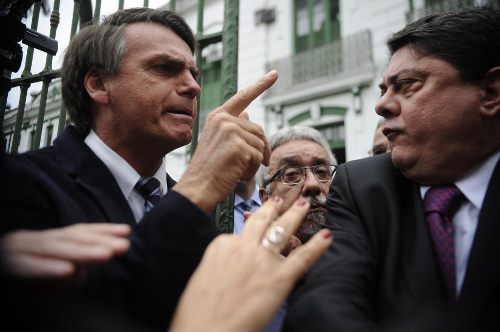 Deputado Jair Bolsonaro (esq)