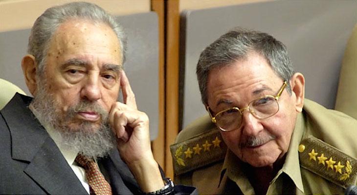 Em 2006, Fidel Castro afastou-se devido a problemas de saúde e delegou o poder no irmão, Raúl Castro