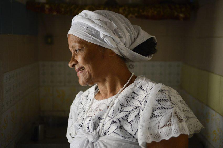 Maria da Guia, médium do terreiro Tenda Espírita Vovó Maria Conga de Aruanda, a primeira instituição cadastrada no mapa de terreiros de Ubanda da cidade do Rio de Janeiro