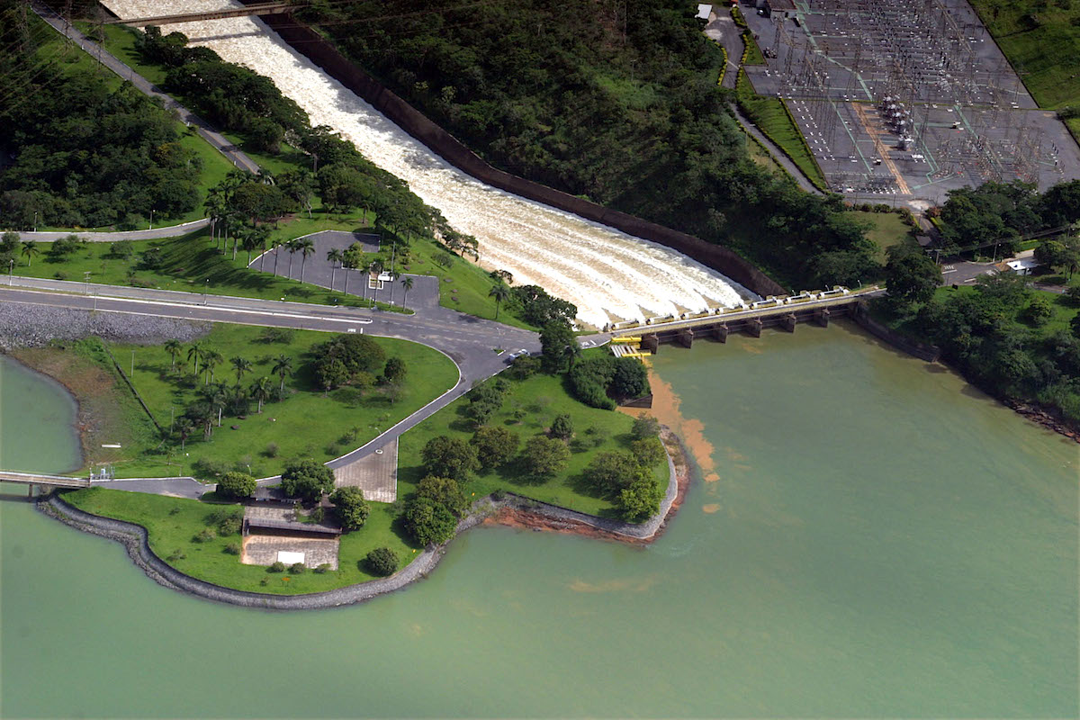 Usina Hidrelétrica de Três Marias, em Minas Gerais
