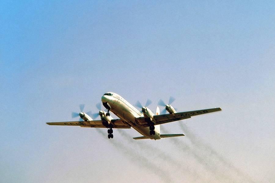 Aeronave Ilyushin IL-18 russa