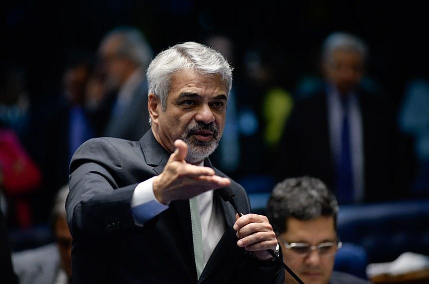 O senador Humberto Costa (PT-PE) é autor do Projeto de Decreto Legislativo
