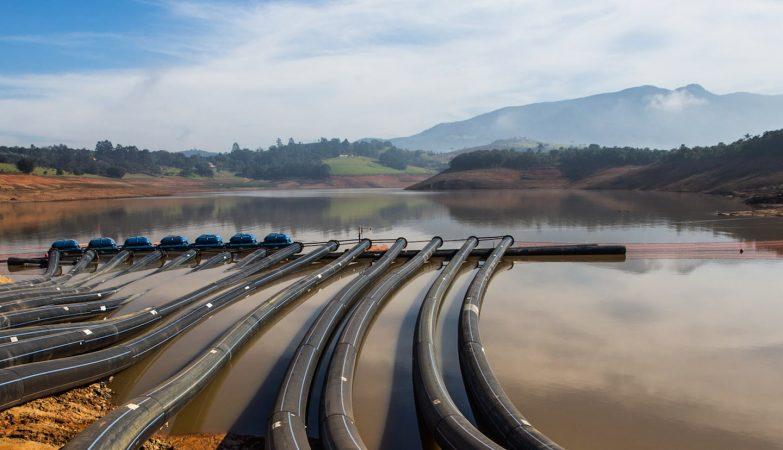 O governador de São Paulo, Geraldo Alckmin, anunciou o empréstimo de bombas de água para combater a seca nos estados da Paraíba e Pernambuco