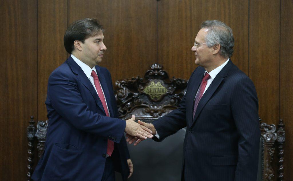 Presidente da Câmara, Rodrigo Maia e o presidente do Senado, Renan Calheiros durante reunião onde discutiram, entre outros assuntos, a pauta de votação