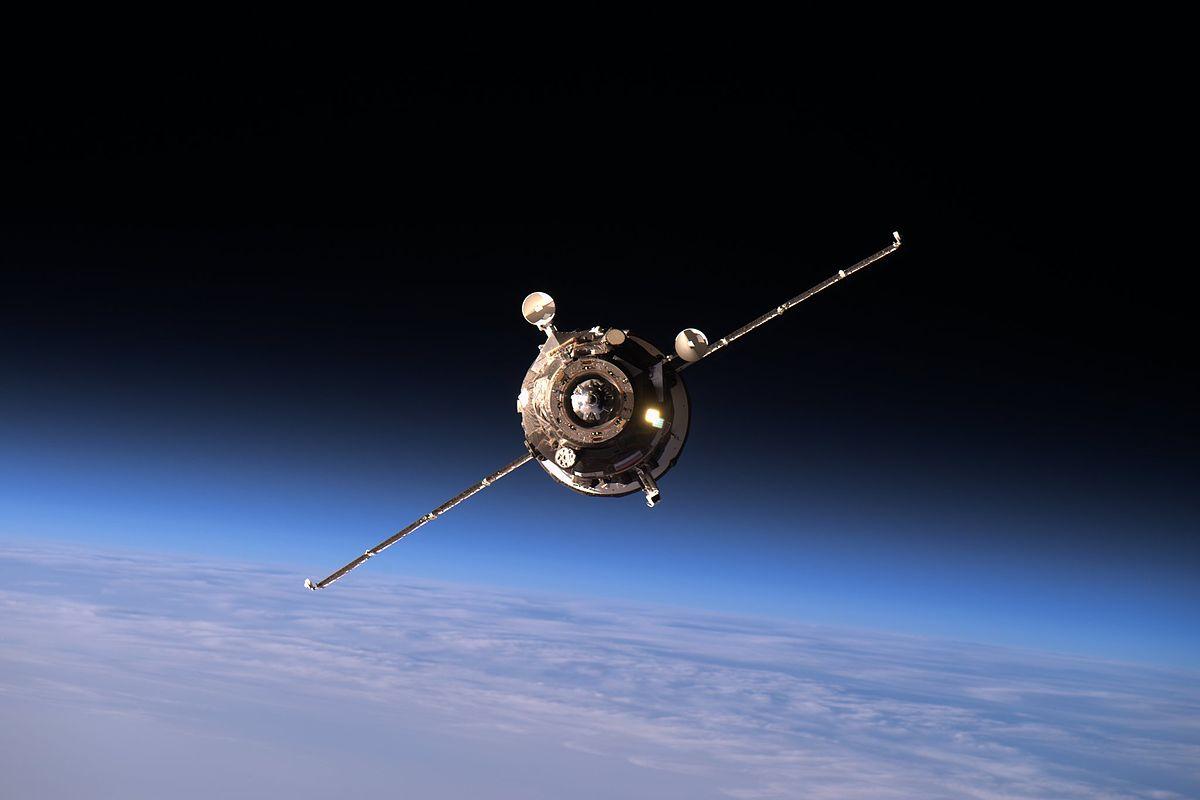 Nave russa Progress MS-02 se aproximando da Estação Espacial Internmacional
