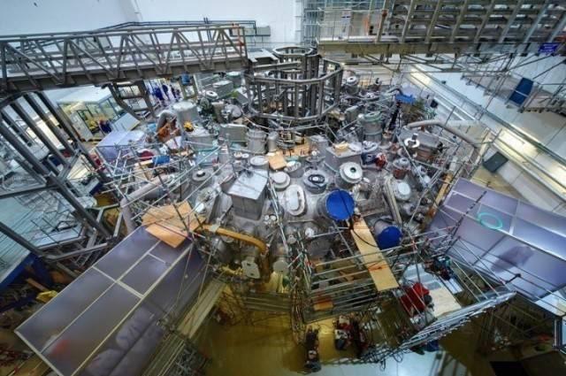 O reator de fusão nuclear stellarator Wendelstein 7-X