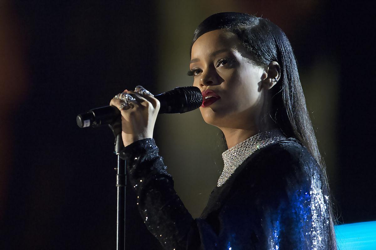 Rihanna em concerto em Washington, 2014
