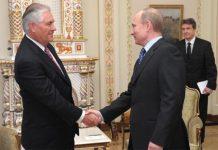 Rex Tillerson, magnata do petróleo e Secretário de Estado de Trump com Vladimir Putin, presidente da Rússia