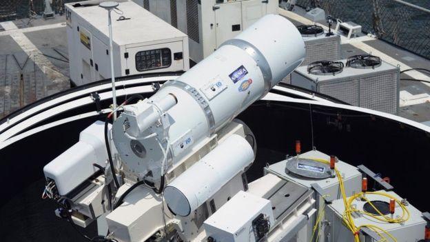 Os norte-americanos já testaram um sistema laser de grande porte em navio