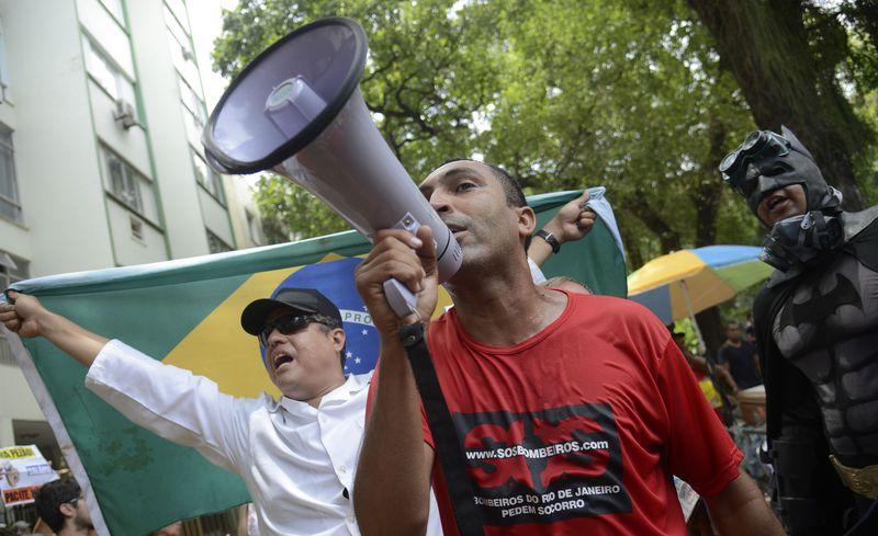Servidores estaduais protestaram em dezembro para denunciar o não pagamento dos salários, inclusive o 13º, aposentadorias e pensões