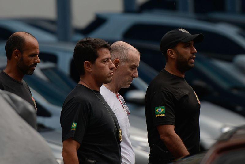Eike Batista deixa a sede da PF, após depoimento na Delegacia de Combate ao Crime Organizado e Desvio de Recursos