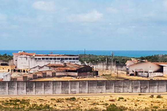 Presídio de Alcaçuz terá muros formados por contêiners