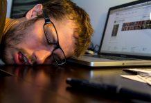 Resultado de imagem para 'O trabalho está matando as pessoas e ninguém se importa', diz professor de Stanford