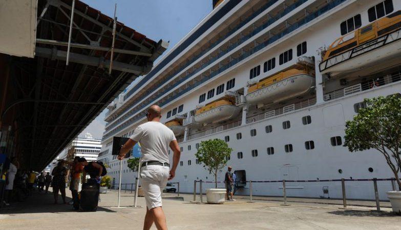 Aproximadamente 20 mil turistas desembarcam de seis transatlânticos no Pier Mauá, zona portuária