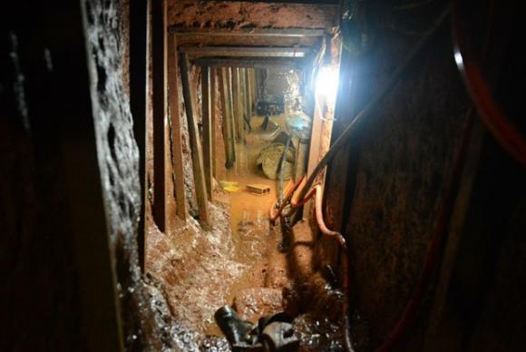 Túnel já tinha mais de 50 metros e estrutura com ventiladores, luz e bombeamento de água e esgoto