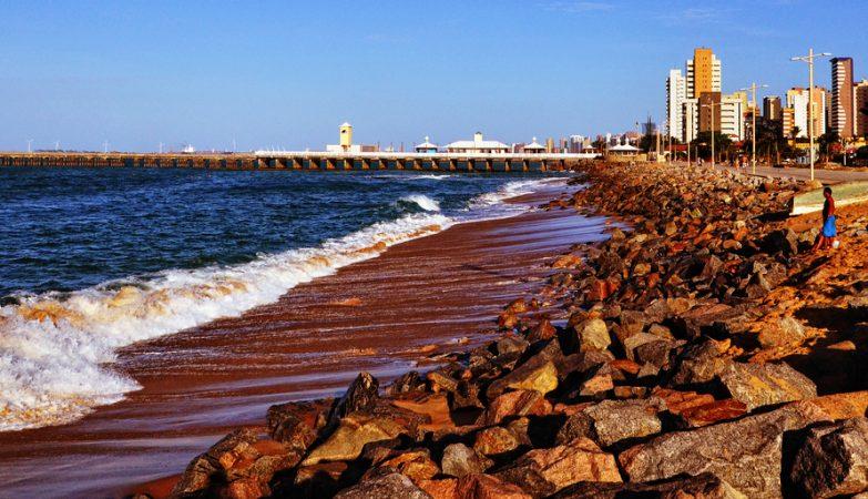 A capital do Ceará, Fortaleza, é uma das capitais nordestinas interessadas em transformar a água do mar em água para beber