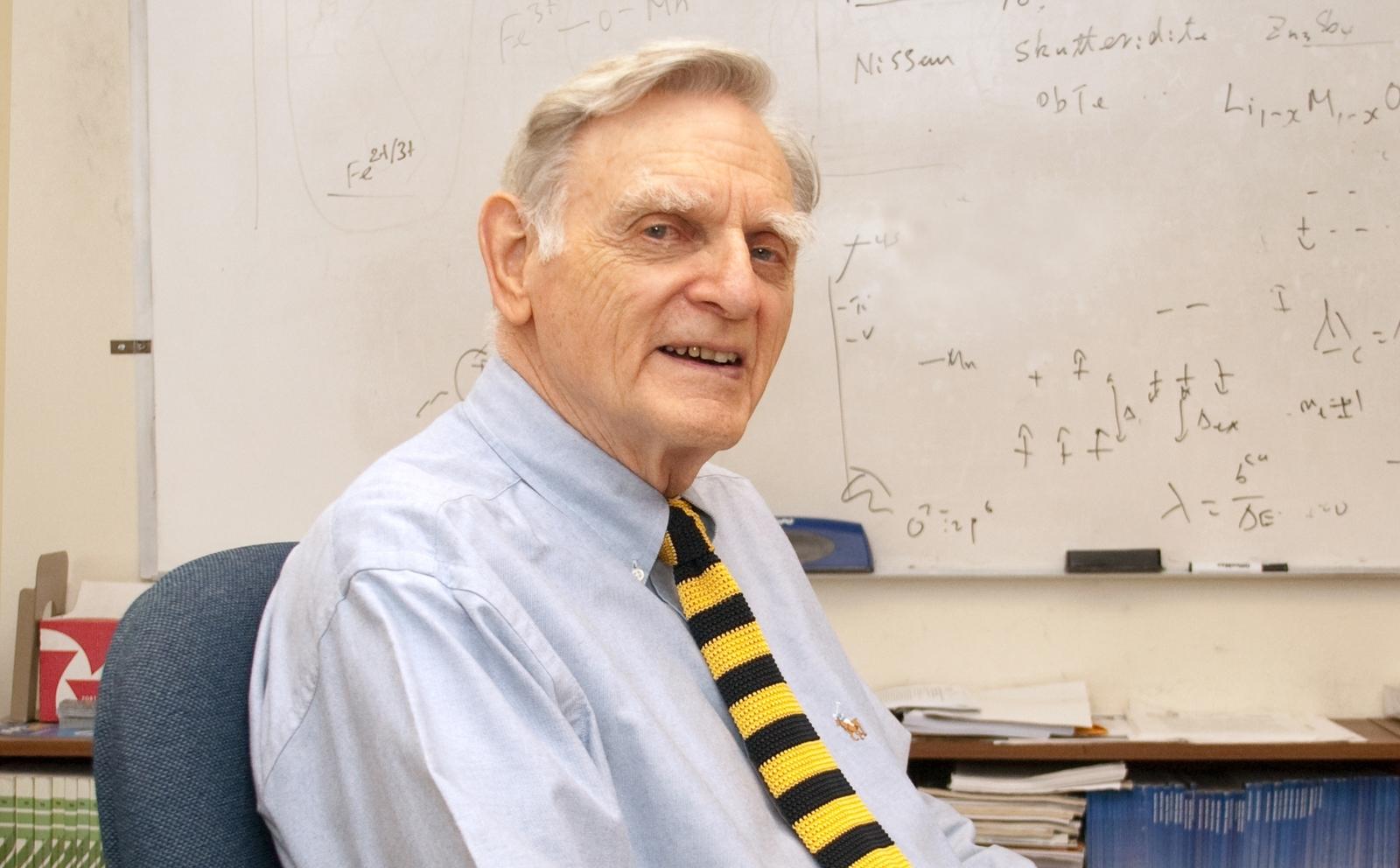 O inventor da bateria de ion-lítio, John B. Goodenough