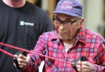 Aos 103 anos, Raymundo Chávez se mantém em forma no Ginásio