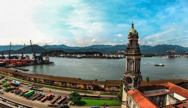 Vista panorâmica da Torre da Bolsa do Café e Porto de Santos