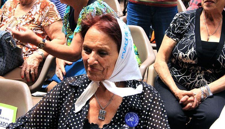 A ativista argentina Taty Almeida, militante da organização Madres de Plaza de Mayo
