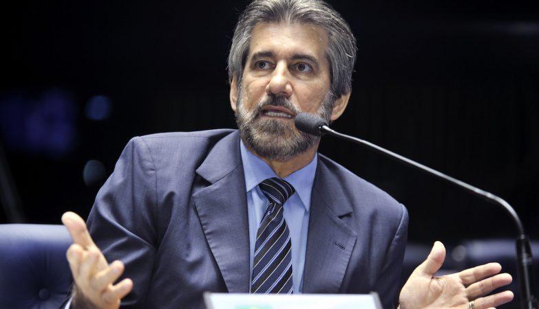 Senador Valdir Raupp (PMDB-RO)