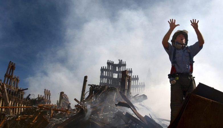 Bombeiro pede reforços, atentado de 11 de Setembro de 2001, World Trade Center