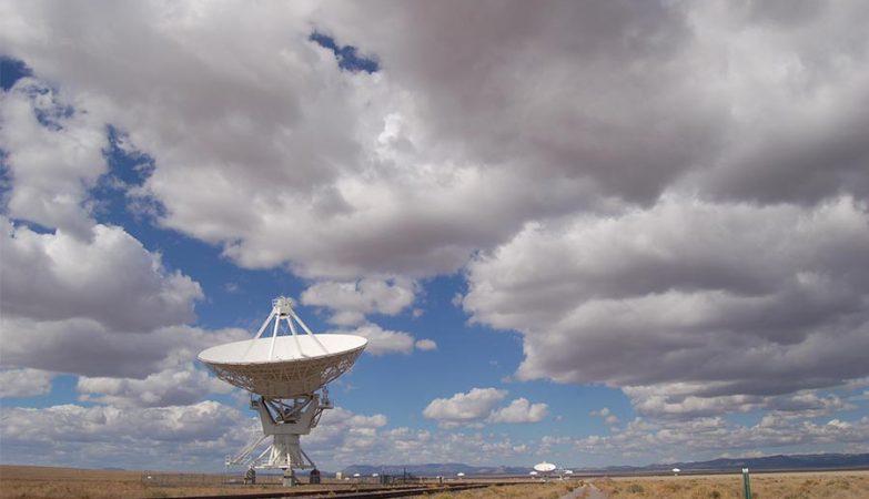 Radiotelescópio do Observatório Very Large Array (VLA) no Novo México, EUA
