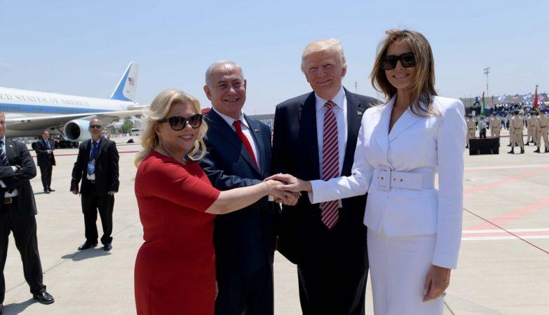 Donald Trump e a primeira-dama dos EUA, Melania, na chegada a Israel