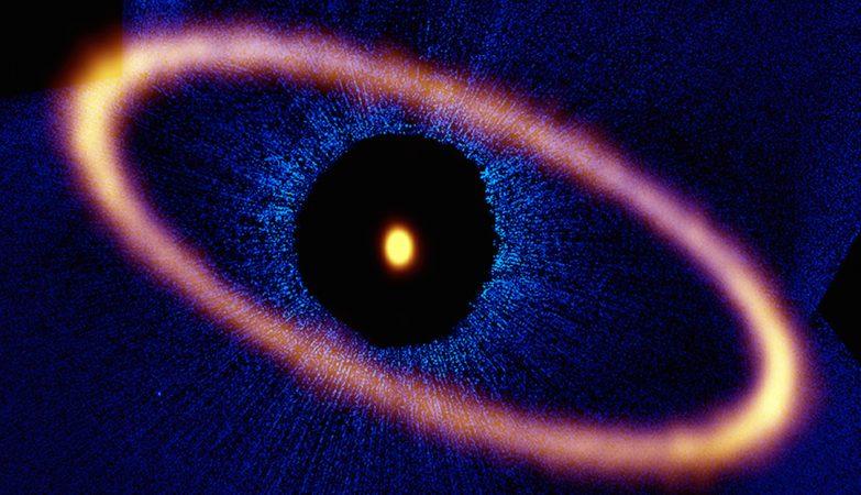 Composição do sistema estelar Fomalhaut