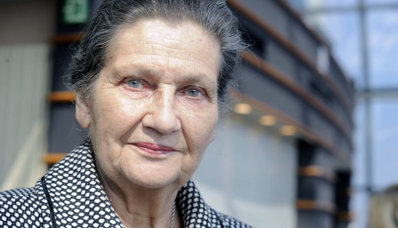 Simone Veil, primeira mulher a presidir o Parlamento Europeu