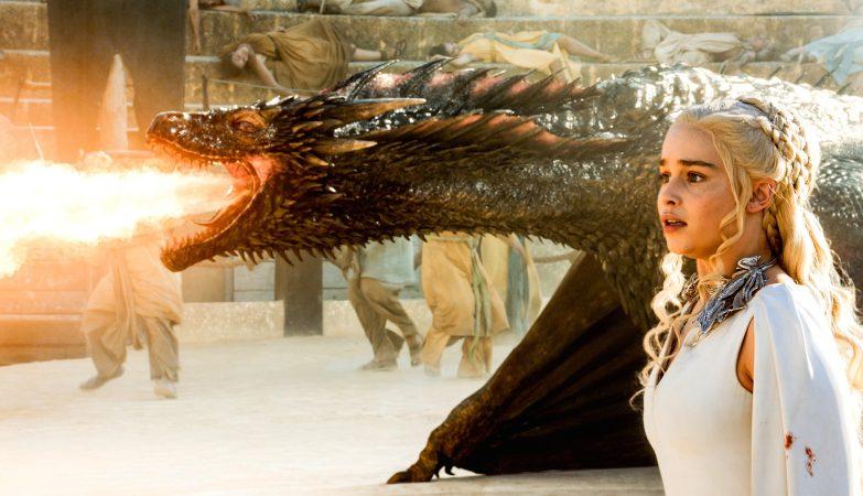 """Daenerys Targaryen e o seu dragão, Drogon, em """"Game of Thrones"""""""