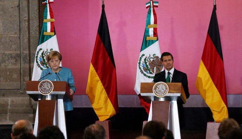 A chanceler alemã Angela Merkel e o presidente do México Enrique Peña Nieto