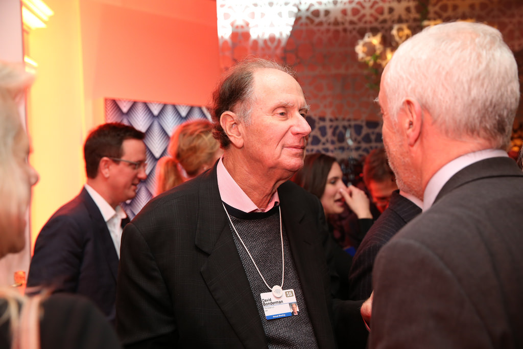 David Bonderman (ao centro)