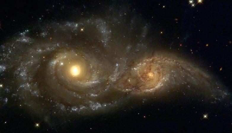 Galáxias espirais em colisão