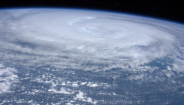 O furacão Irene visto pela Expedição 28 da Estação Espacial Internacional