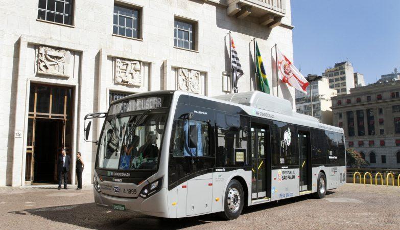 Modelo elétrico do ônibus que passará a circular em São Paulo
